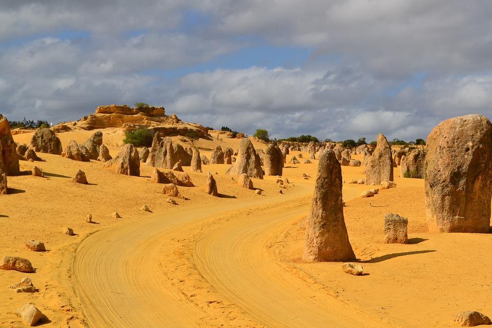 nambung national park 256216 960 720 - AUSTRALIA z Tasmanią: kangury, psy dingo, diabły tasmańskie i misie koala – wyprawa