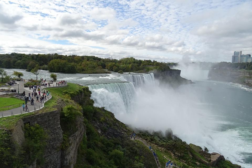 niagara falls 1032386 960 720 - KANADA: od Toronto po Vancouver
