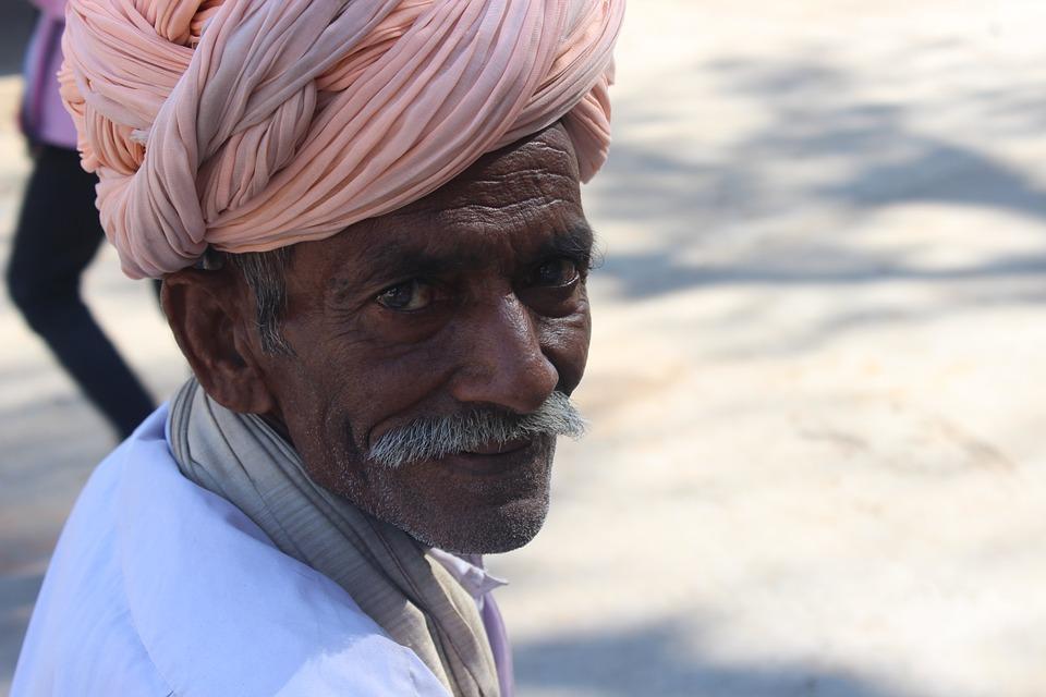old man 658798 960 720 - INDIE: Radżastan i wycieczka na Goa