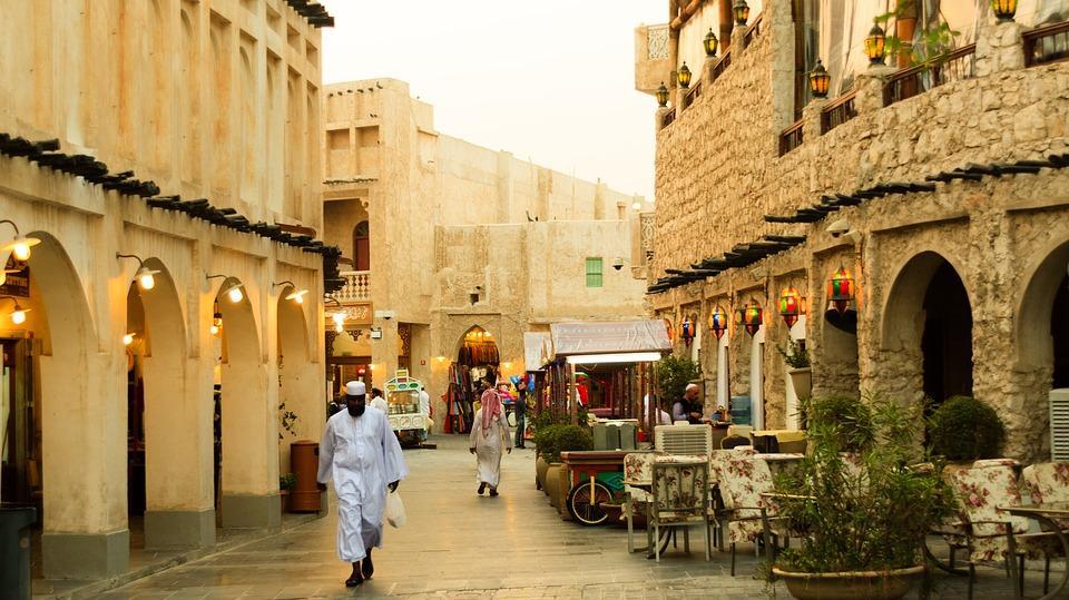qatar 2637297 960 720 - PÓŁWYSEP ARABSKI: Emiraty Arabskie – Oman – Kuwejt – Bahrajn – Katar – niezwykła wyprawa