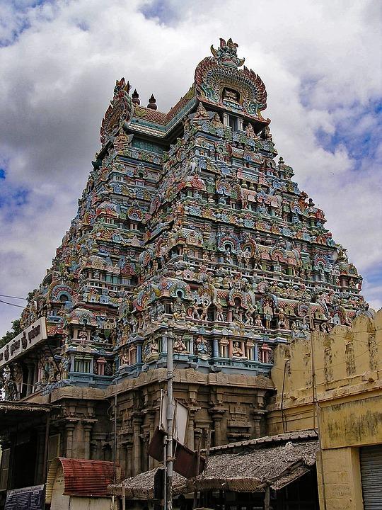 srirangam 2358281 960 720 - INDIE POŁUDNIOWE: Kerala i festiwal Theyyam - wycieczka