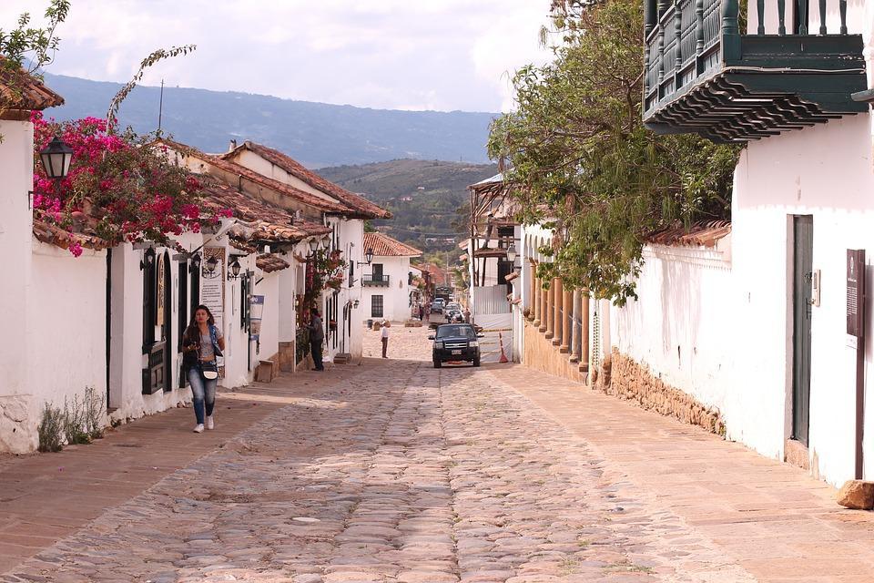 street 4007987 960 720 - KOLUMBIA - Cano Cristales, Medelin, Cartagena i Wyspy Różańcowe