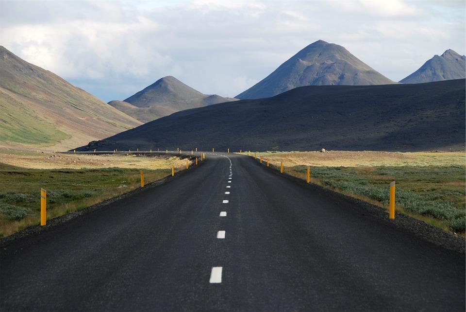 street 593165 960 720 - ISLANDIA: magiczna wyprawa dookoła wyspy