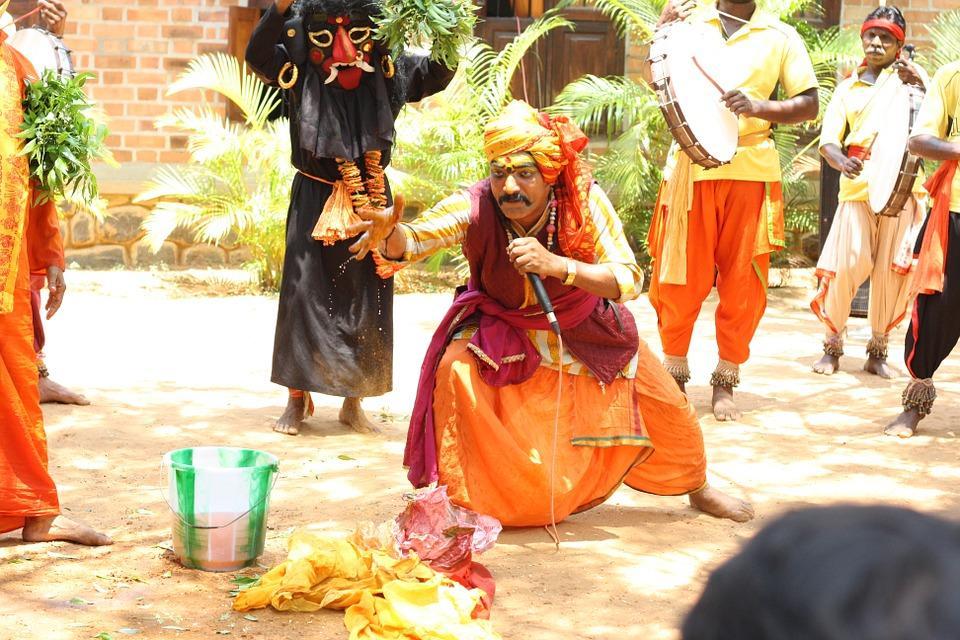 street magic 586369 960 720 - INDIE POŁUDNIOWE: Kerala i festiwal Theyyam - wycieczka