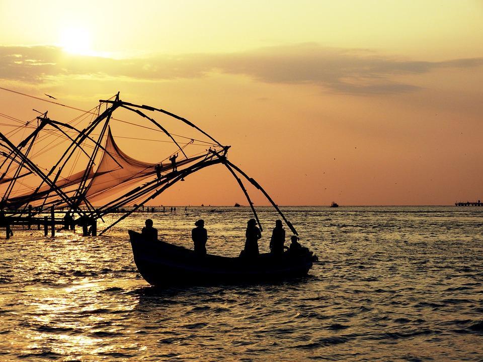 sunset 2611910 960 720 - INDIE POŁUDNIOWE: Kerala i festiwal Theyyam - wycieczka