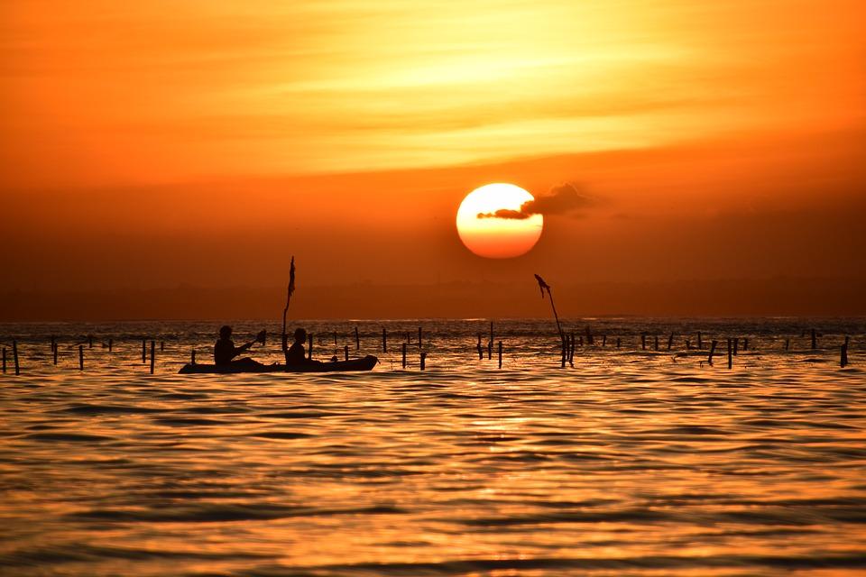 sunset 2640109 960 720 - PAPUA ZACHODNIA – wyprawa w nieznane