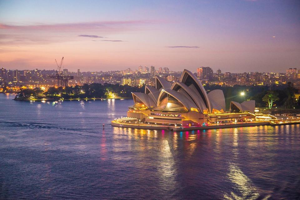 sydney opera house 354375 960 720 - AUSTRALIA z Tasmanią: kangury, psy dingo, diabły tasmańskie i misie koala – wyprawa