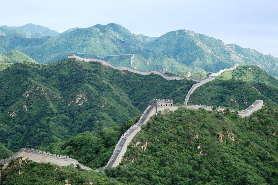 the great wall 2190047 960 720 - CHINY: Największe atrakcje Państwa Środka – Góry Tęczowe, rejs po Jangcy, Park Zhangjiajie