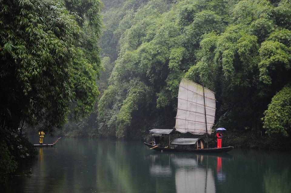 the three gorges 788314 960 720 - CHINY: Największe atrakcje Państwa Środka – Góry Tęczowe, rejs po Jangcy, Park Zhangjiajie