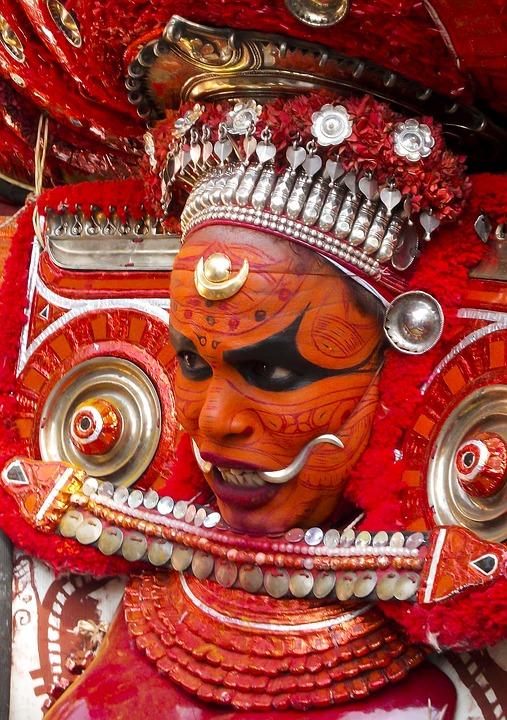 theyyam 2262364 960 720 - INDIE POŁUDNIOWE: Kerala i festiwal Theyyam - wycieczka
