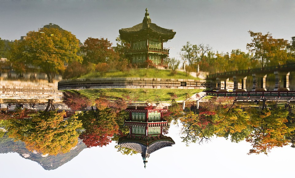 towards the garden 1256872 960 720 - KOREA POŁUDNIOWA z WYSPĄ JEJU – wyprawa na Festiwal Lampionów w Seulu
