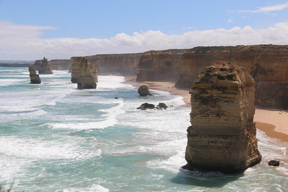 twelve apostles 302024 960 720 - AUSTRALIA z Tasmanią: kangury, psy dingo, diabły tasmańskie i misie koala – wyprawa