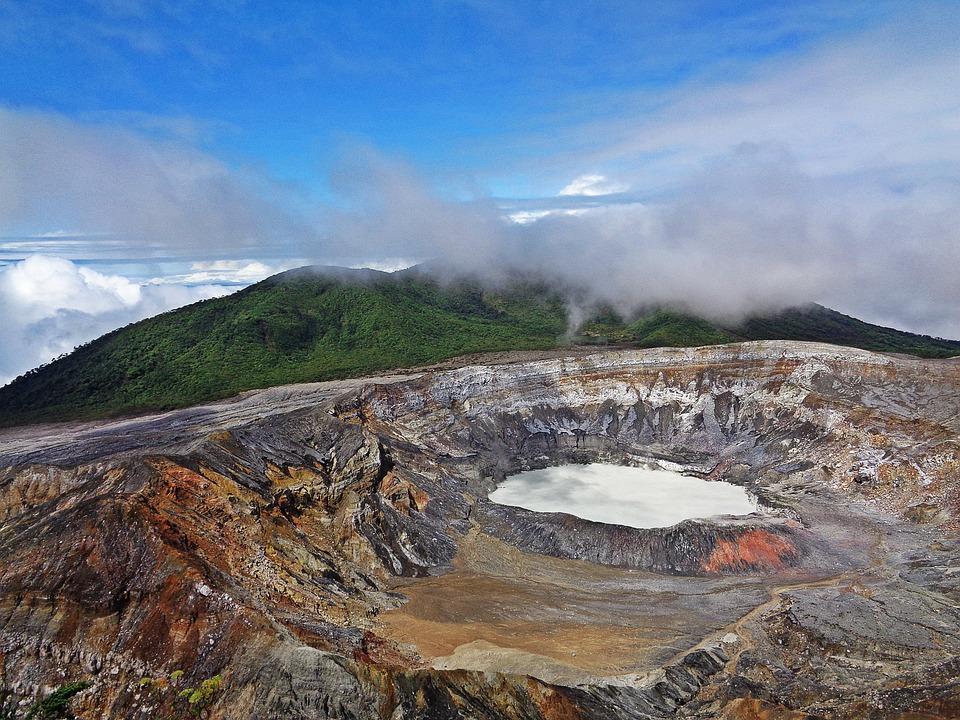 volcano 2169560 960 720 - KOSTARYKA, NIKARAGUA I PANAMA  – SZLAKIEM KOLORÓW NATURY