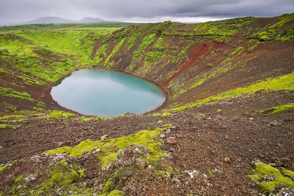 volcano 2296686 960 720 - ISLANDIA: magiczna wyprawa dookoła wyspy