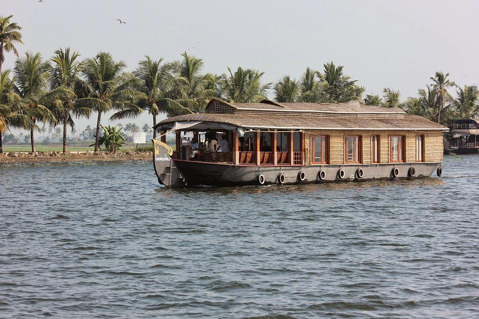 water 3080147 960 720 - INDIE POŁUDNIOWE: Kerala i festiwal Theyyam - wycieczka