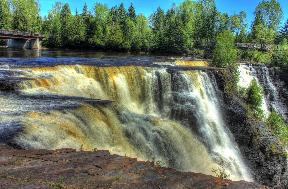 waterfall 854939 960 720 - KANADA: od Toronto po Vancouver