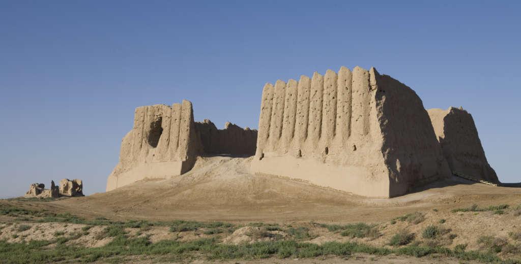 stock photo 10087286 merve turkmenistan the great kyz kala 1024x520 - AZJA ŚRODKOWA: Turkmenistan – Uzbekistan – Tadżikistan – Kirigistan – Kazachstan