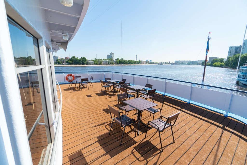 1 Sun Deck 3 1024x683 - ROSJA: od Moskwy do Petersburga – luksusowy rejs po Wołdze