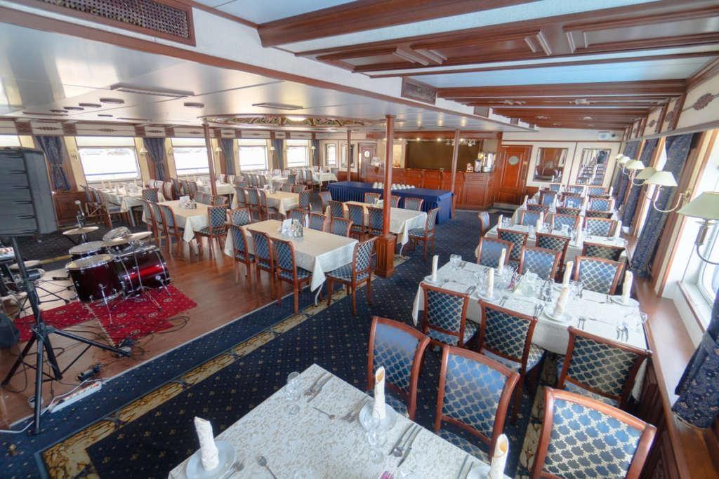 11 Moonlight Sonata  Restaurant 1 1024x683 - ROSJA: od Moskwy do Petersburga – luksusowy rejs po Wołdze