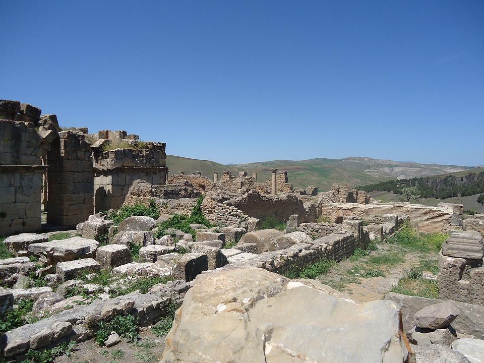 ruin 984577 960 720 - ALGIERIA: wyprawa na Festiwal Sebeiba