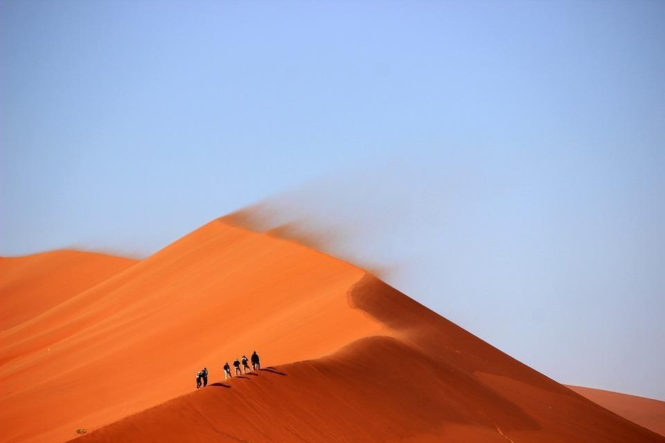 sand dunes 691431 960 720 - ALGIERIA: wyprawa na Festiwal Sebeiba
