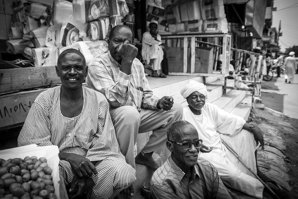 friends 2895745 960 720 1 - SUDAN PÓŁNOCNY: Zrozumieć Potęgę Nilu