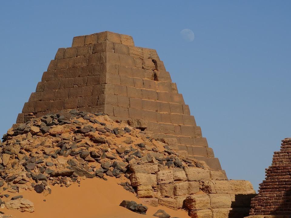 khartoum 3050417 960 720 1 - SUDAN PÓŁNOCNY: Zrozumieć Potęgę Nilu