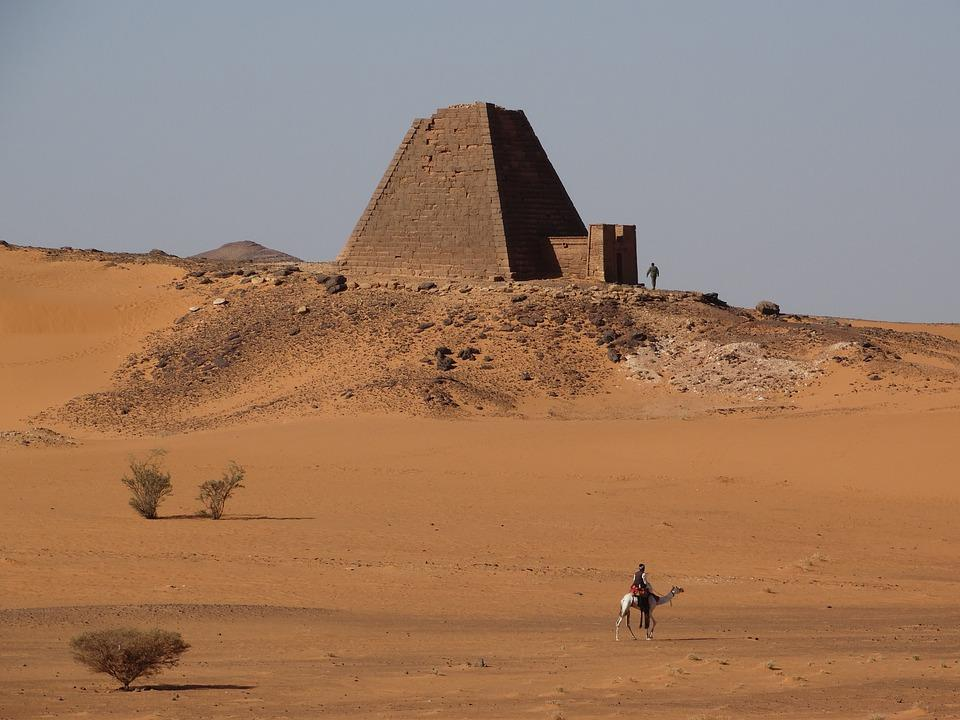 khartoum 3050434 960 720 1 - SUDAN PÓŁNOCNY: Zrozumieć Potęgę Nilu