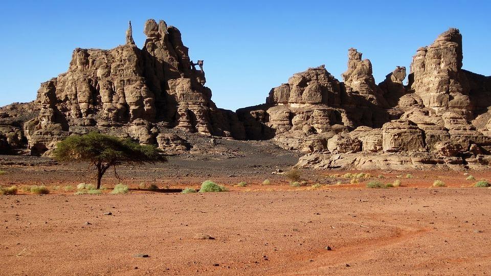 rock 3317883 960 720 - ALGIERIA: antyczna północ i prehistoryczne południe - wycieczki do Algierii
