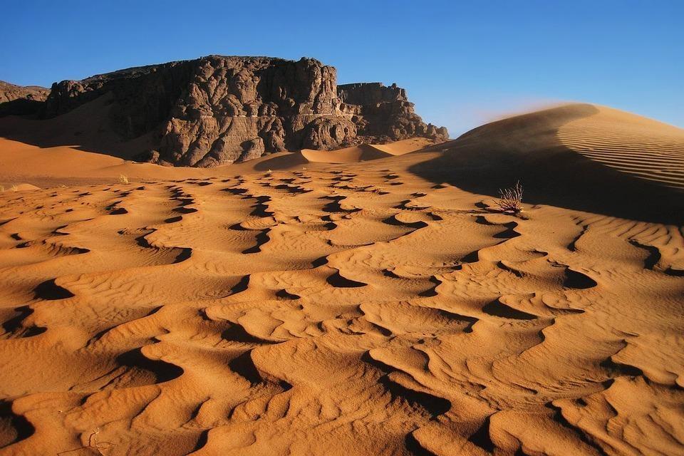 rock 3317884 960 720 - ALGIERIA: antyczna północ i prehistoryczne południe - wycieczki do Algierii