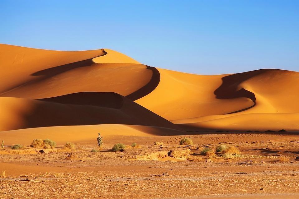 rock 3317906 960 720 - ALGIERIA: antyczna północ i prehistoryczne południe - wycieczki do Algierii