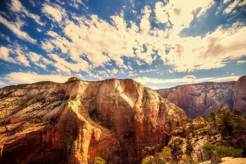 zion national park 2681378 960 720 - USA i KANADA: wzdłuż i wszerz!