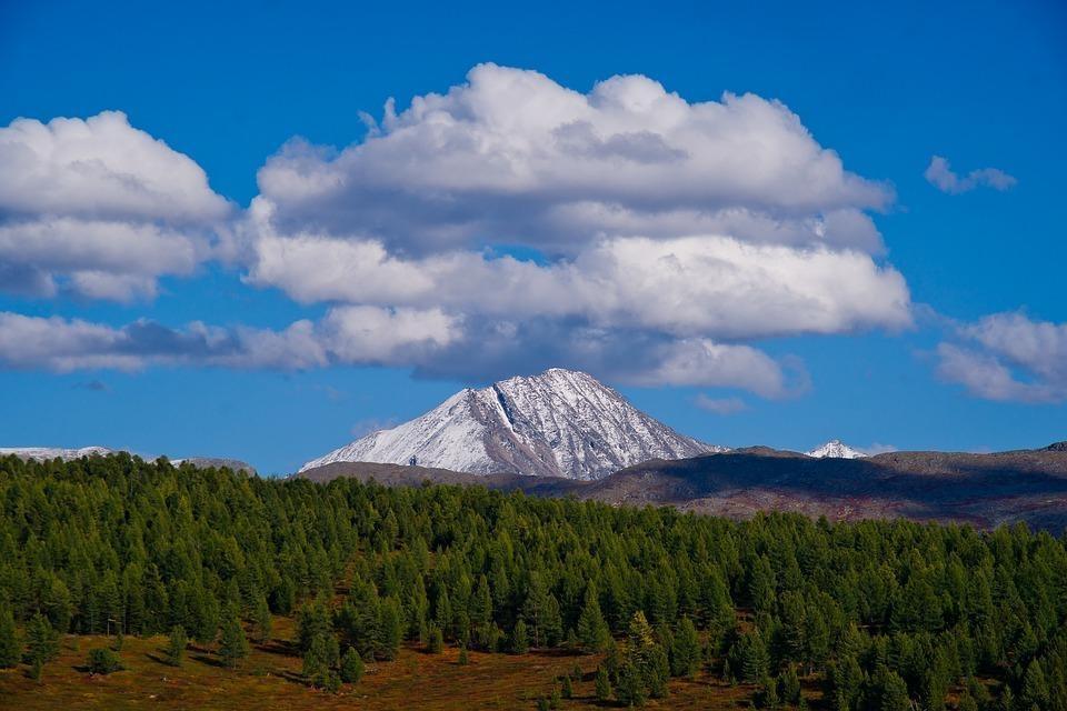 mountain 3046964 960 720 - ROSJA: Krasnojarsk, Norylsk i Rezerwat Putorana – rejs po Jeniseju