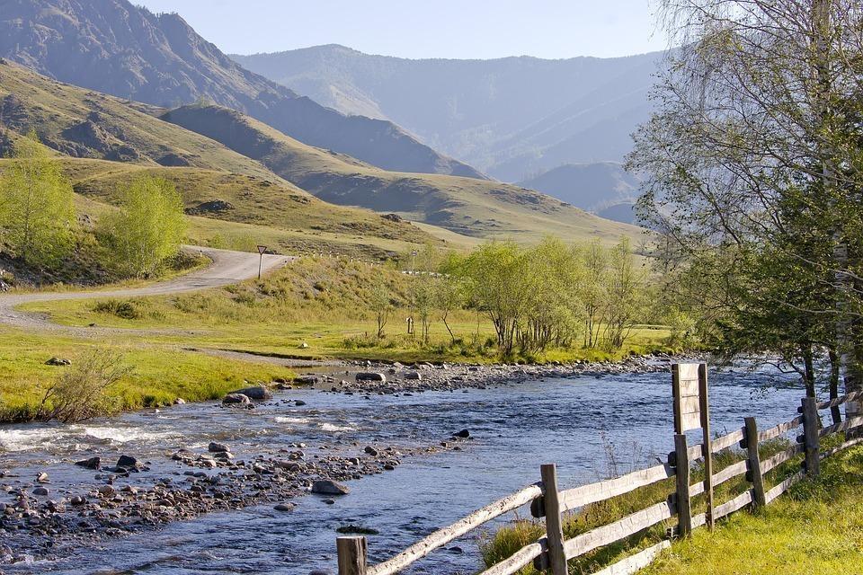 mountains 2145195 960 720 - ROSJA: Krasnojarsk, Norylsk i Rezerwat Putorana – rejs po Jeniseju