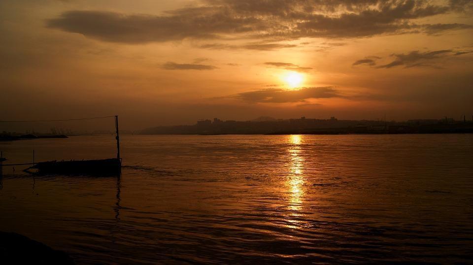 sunset 336203 960 720 - ROSJA: Krasnojarsk, Norylsk i Rezerwat Putorana – rejs po Jeniseju
