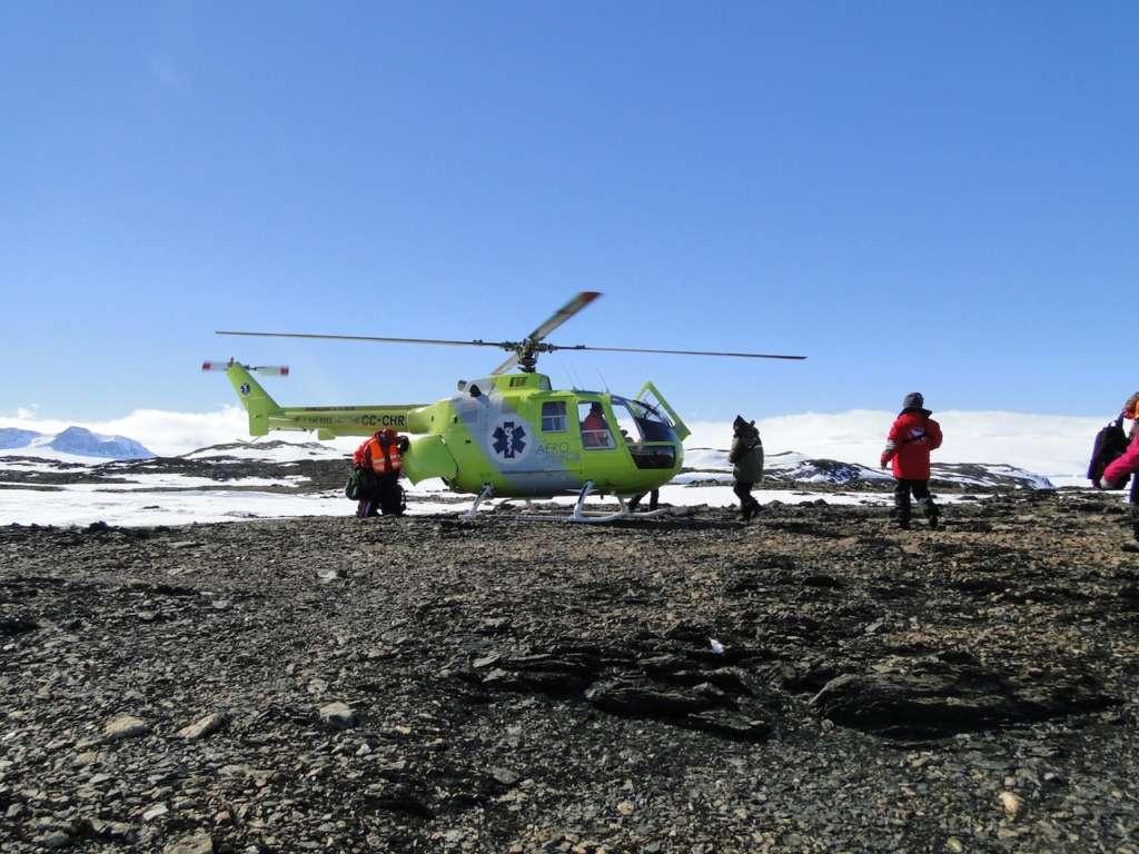 Helicopter landing Ortelius 1024x768 - ANTARKTYDA – PODRÓŻ PRZEZ TRZY KONTYNENTY: Rejs z Nowej Zelandii do Argentyny