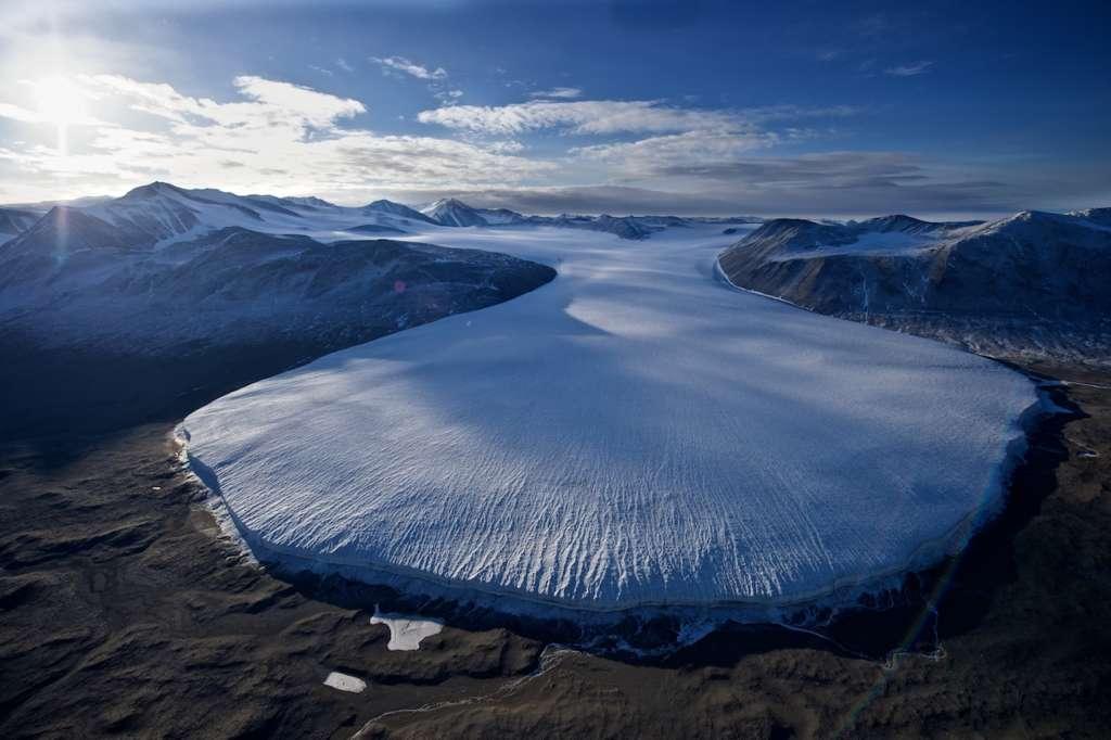 dry valleys ross sea michael martin oceanwide expeditions 1024x682 - ANTARKTYDA – PODRÓŻ PRZEZ TRZY KONTYNENTY: Rejs z Nowej Zelandii do Argentyny