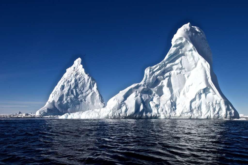 huge icebergs in the ross sea michael martin oceanwide expeditions 1024x682 - ANTARKTYDA – PODRÓŻ PRZEZ TRZY KONTYNENTY: Rejs z Nowej Zelandii do Argentyny