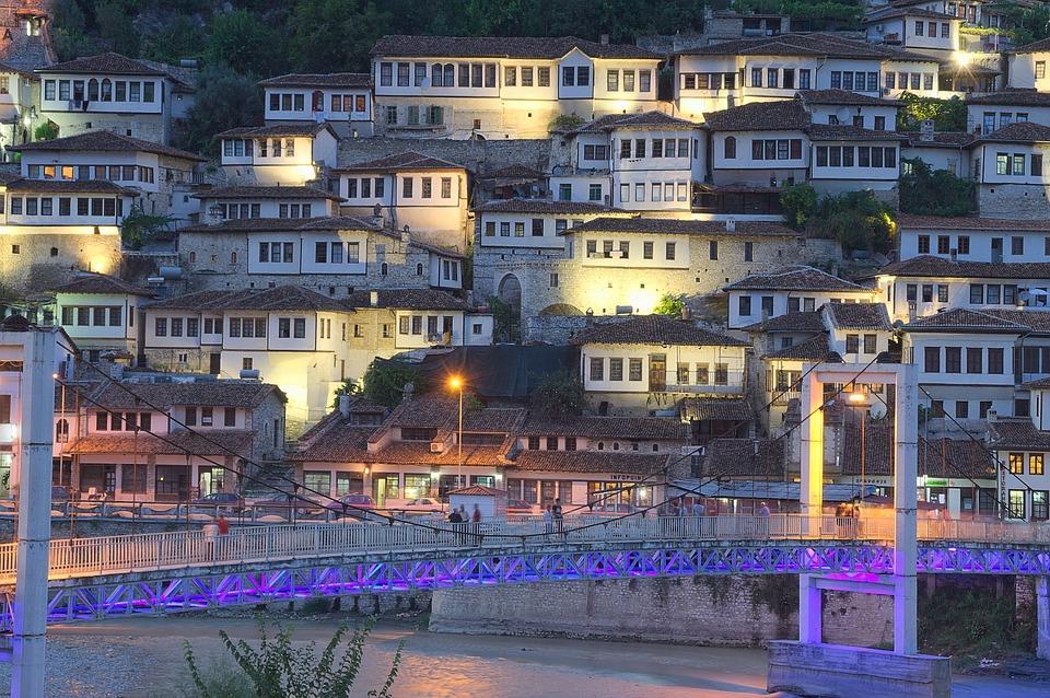 albania 440742 960 720 - Bałkańska przygoda – Albania, Macedonia, Czarnogóra i Kosowo