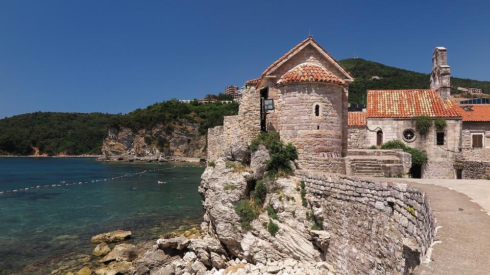 holidays 3065069 960 720 - Bałkańska przygoda – Albania, Macedonia, Czarnogóra i Kosowo