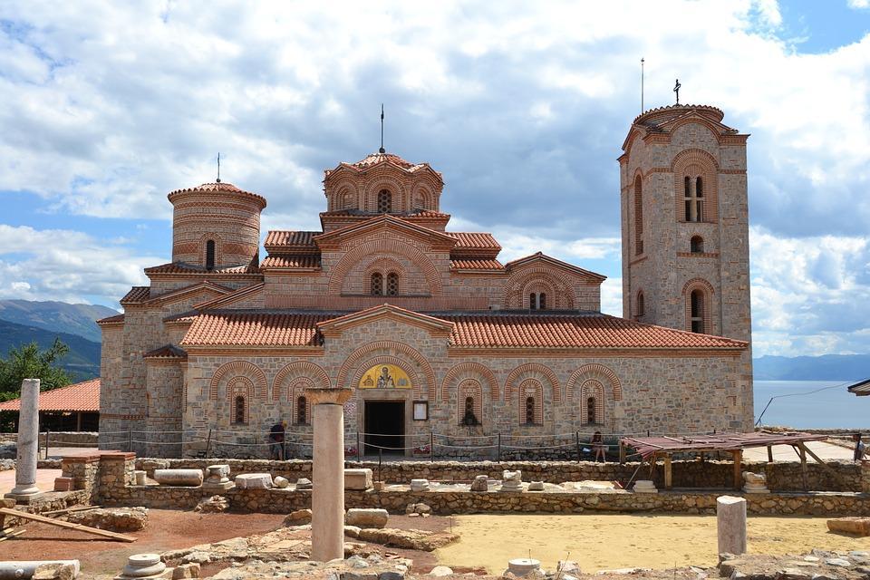 plaushnik 1391215 960 720 - Bałkańska przygoda – Albania, Macedonia, Czarnogóra i Kosowo