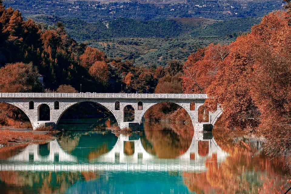 roman 3723346 960 720 1 - Bałkańska przygoda – Albania, Macedonia, Czarnogóra i Kosowo