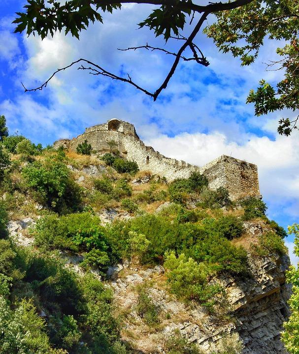rozafa 3170799 960 720 - Bałkańska przygoda – Albania, Macedonia, Czarnogóra i Kosowo