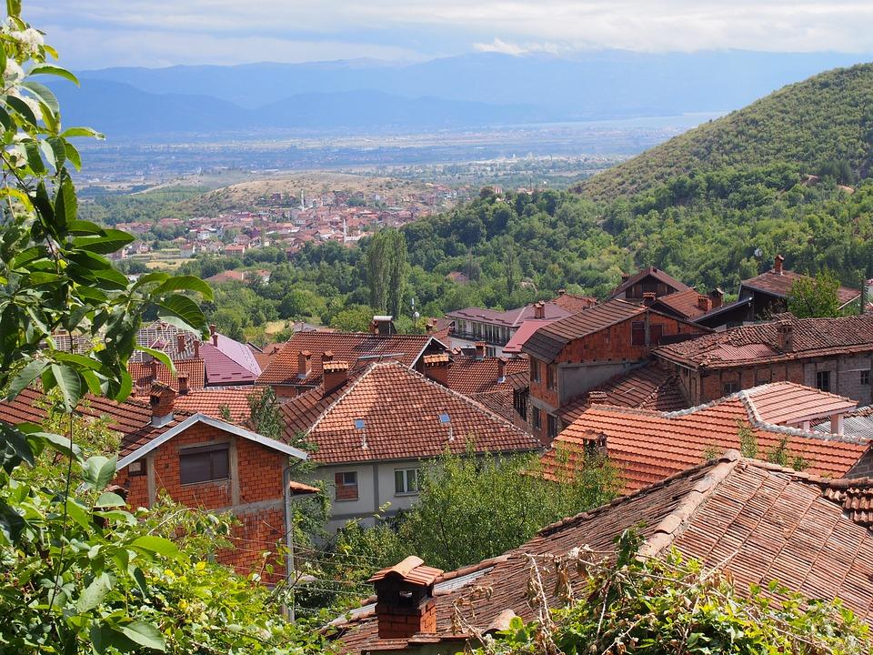the roof of the 3154107 960 720 - Bałkańska przygoda – Albania, Macedonia, Czarnogóra i Kosowo