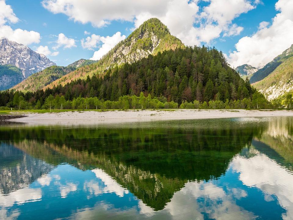 jasna lake 2165622 960 720 - Słowenia