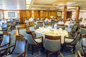 restaurant 2s 300x200 - Spitsbergen, Grenlandia i Islandia – rejs arktyczny