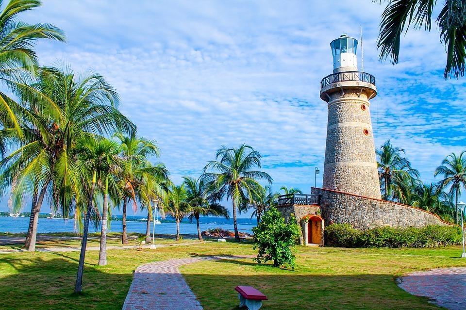 lighthouse 2516803 960 720 - GALAPAGOS - KOLUMBIA