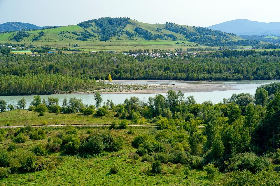 mountain altai 2107454 960 720 - ROSJA: rejs rzeką Lena