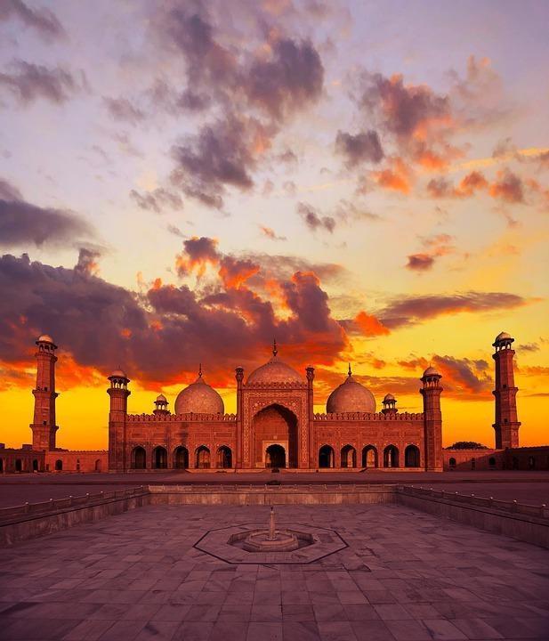 sunset 4494320 960 720 1 - PAKISTAN - północ i południe