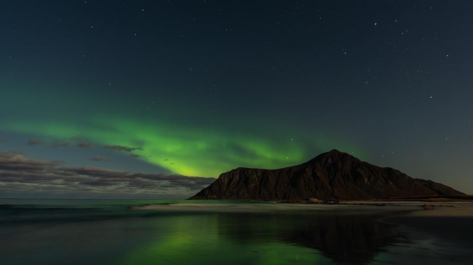 aurora 4590338 960 720 - NORWEGIA: zorza polarna na Lofotach